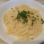 ベントルナート - カニ肉と青葱のカニ味噌クリームのスパゲッティ