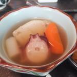 おばんざい おせんべい かまだ - ランチ梅御膳 1500円 海老しんじょとたこの柔らか煮 【 2013年5月 】