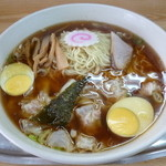 大勝軒 - '13/06/01 マイベスト! 大盛り玉子入りワンタン麺(1,100円)