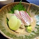 季節料理 樂風 - 鯛の刺身・はす芋