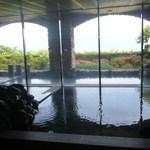 19265654 - 内風呂とその奥には露天風呂