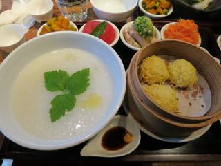 茉莉花 - 上海粥と豆腐団子の膳