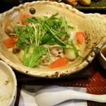 19278014 - 四元豚とたっぷり野菜の蒸し鍋定食(830円)