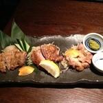19279603 - もも正肉炙り三種食べ比べ(博多一番どり、日向赤どり、桜島どり)