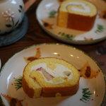 ラ・テイエ - フルーツロールケーキとはちみつロール