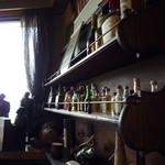 レストラン 初音 - 飾り棚