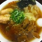 19283018 - ワンタン麺•750円