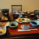 土肥ホテル 山海亭 - お部屋食(夕飯)