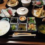 明日香 - 飛鳥定食(1575円)