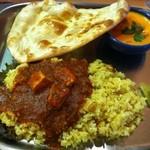 南インドの味 カレーリーフ - ディナーセット(1,580円)+海老カレーを選択したことによる増額分100円