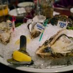 Oyster Bar ジャックポット - 牡蠣3種盛り