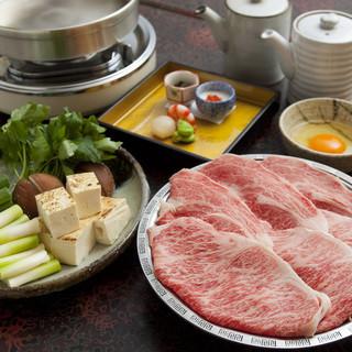 特製の割り下でいただく、黒毛和牛のすき焼きをご堪能ください