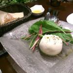キョウヤ クチーナ イタリアーナ - プーリア産ブッラータ 京野菜添え