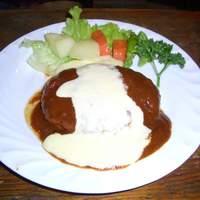 異人館 - イタリアンハンバーグ(デミグラスソース&チーズ) ¥972(税込¥1020)