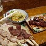前ちゃん亭 - 料理写真:自慢の焼き鳥♪タレがうまい! 漬け物も絶品!!