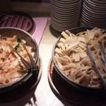 麺三昧 - 自家製キムチとシナチクは、無料おかわり自由