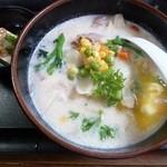 まわたり食堂 - 料理写真:ポタージュ ラーメン 550円