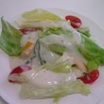 KJワイナリー - サラダ