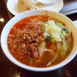 新長城 - ミックスセット(1000円)のハーフ刀削麺