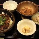広島の旬 なかたに - ランチのステーキ丼です。