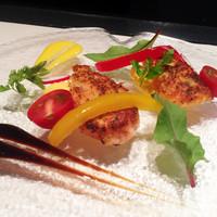 クラレット - 前菜~パネ・ド・サーモン ユズヴィネグレット 冷製ブルイユと共に