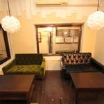タケル カフェ - 高級感あふれる二階の雰囲気♪
