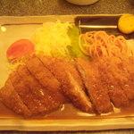 大富士 - 上とんかつ定食 950円