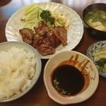 お食事処 ミキ - トンテキ定食680円 安〜