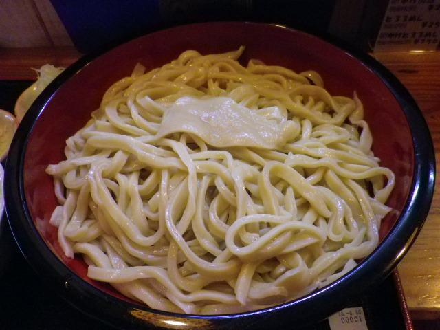 元祖 熊谷うどん 福福 - 麺 大量の麺に…