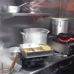 麺のようじ - 石焼チキンカレー坦々和え麺 石鍋がグツグツ・・・