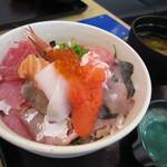19324307 - 極み☆海鮮丼 小 830円