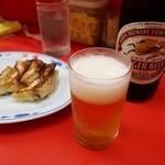 豚麺 - 餃子にはビールよねぇ
