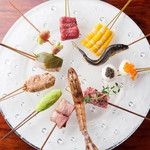 キュイジーヌ・ド・オオサカ・リョウ - 料理写真:大阪の味として親しまれている『串揚げ』。旬の食材を使い、季節ごとのおいしさが楽しめます。