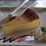 アティック - ベイクドチーズケーキ