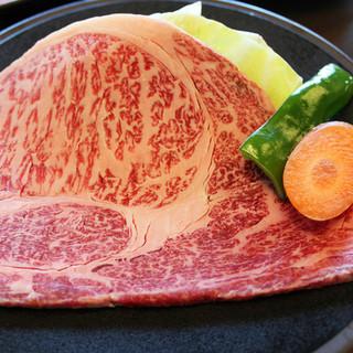黒豚・黒牛を黒酢で食す「霧島の黒・発祥店」焼肉厨房わきもと