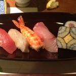 紫雲 - 握り寿司