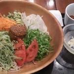 19334488 - 生野菜そば(1,260円)