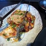 炭火焼肉 清香園 - 私は大好きな丸腸800円を追加して焼肉を楽しみました・・・