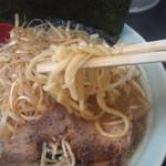 松壱家 - 麺アップ