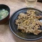 そば処 吉野家 - 牛皿と味噌汁