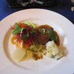 レストラン エヌ・ルトゥール - 国産牛ヒレ肉の粒マスタードソースとメカジキの軽いポワレ