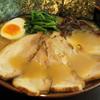 Yokohamaiekeinojiya - 料理写真:チャーシューメン並 850円