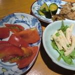 19341153 - とり放題のお惣菜(っていうか主にサラダと漬物)