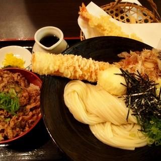 瀬戸内製麺710 - 料理写真:ちく玉天ぶっかけ、牛丼(小)、大海老天トッピング