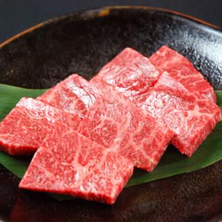 牧場直営の焼肉店!豊かな六甲の緑と水が作り上げたお肉の美味しさをお楽しみ下さい。