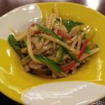 墨花居 - 豚肉と細切り野菜のオイスターソース