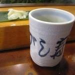 魚がし寿司 - 「湯呑・ガリ」