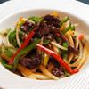 香港食卓 - 料理写真:牛肉とピーマンの細切り炒め