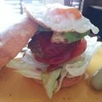 PREMIER VILLA - ☆ヴィラ特製ハンバーガー