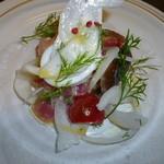 LYON - 料理写真:6月のランチ 前菜 シーフードと新玉ねぎのマリネ